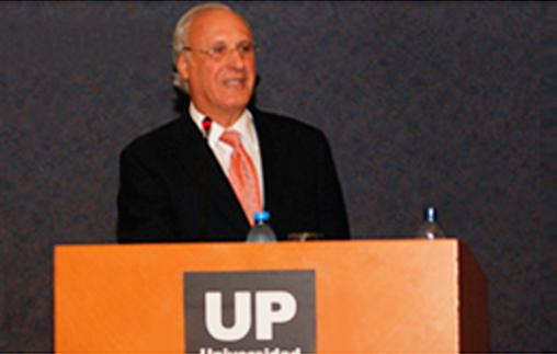 Docente de Yale Law School, Dr. Owen Fiss, recibió el Doctorado Honoris Causa en la UP