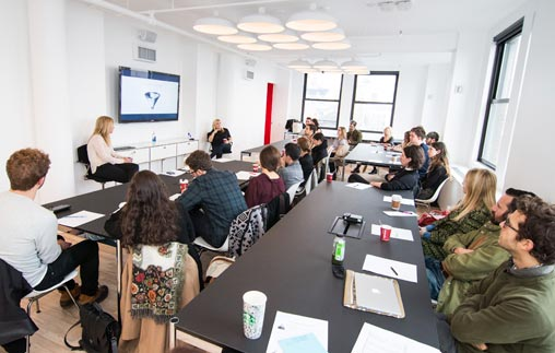 Conferencia: La práctica profesional en una ONG
