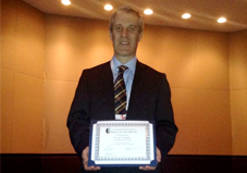 El Dr. Gustavo Vázquez reconocido con el premio Scholar Award