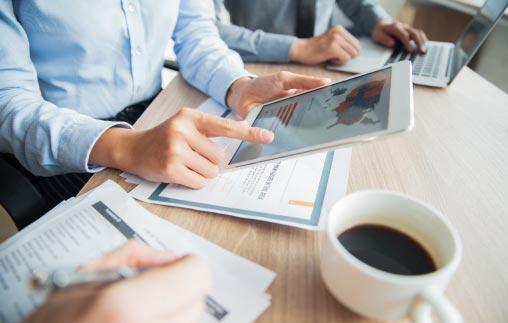 Prospectiva y tendencia en la economía y los negocios 2017