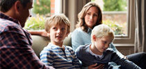 Mesa redonda: De Infancias y Adolescencias