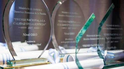 Graduado de Posgrado obtiene Premio Nacional a la Calidad en la Justicia