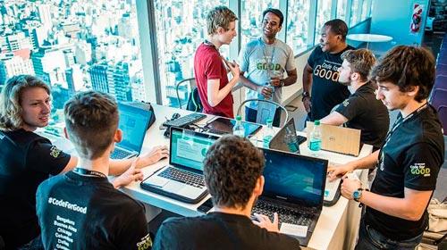 ¡Finalistas del Hackathon de JP Morgan!