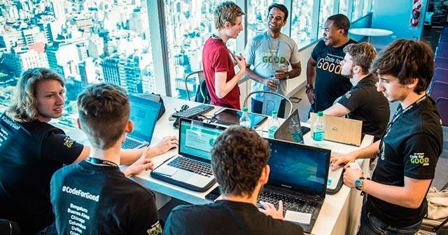 ¡Finalistas del HackathonJP Morgan!