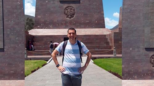 Andrés Higa, Lic.en Informática UP, confeccionó un sistema para 1600 procesos del Banco BCP de Ecuador