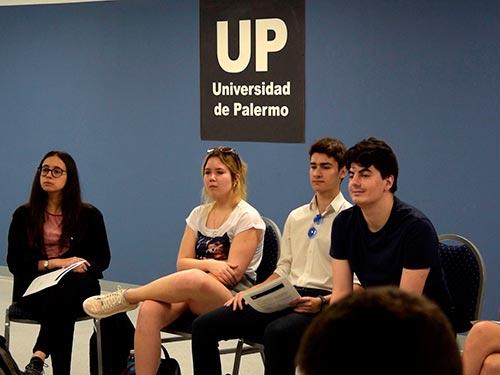 Estudiantes de la UP compartieron sus experiencias sobre las pasantías realizadas en Clarín, Freddo, Día y muchas empresas más