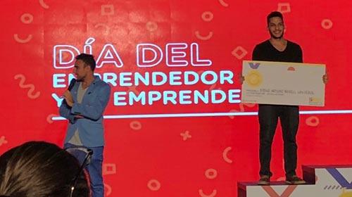Diego Rosell, alumno de Diseño Industrial UP, fue distinguido en las Olimpíadas Emprendedoras 2018