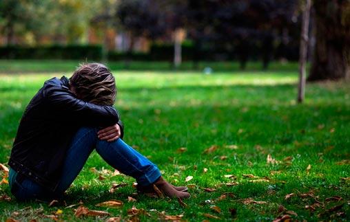 Charla abierta de Psicología: Desregulación emocional y conductas autolesivas en adolescentes