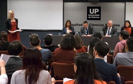 Diplomáticos del Servicio Exterior de la Nación contaron sus experiencias sobre negociaciones y organismos internacionales