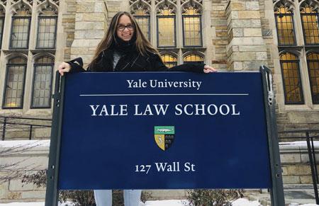 Paula Roko, investigadora del CELE, ganadora del Linkage Program para viajar a Yale Law School
