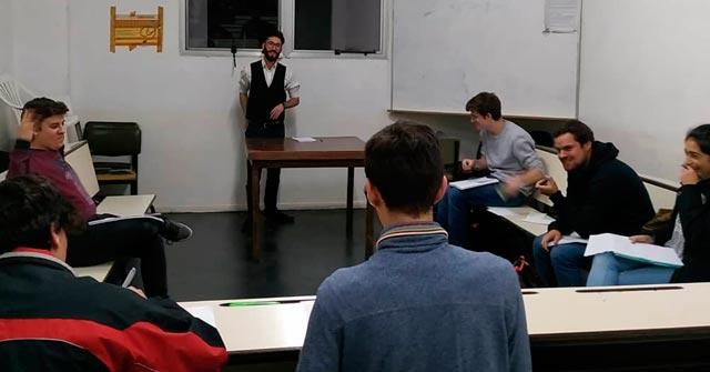 Participamos en el torneo de debate de la UBA