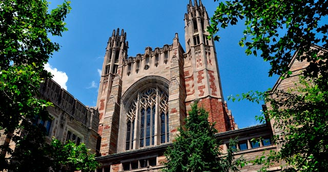 Bienvenida a estudiantes de Yale Law School