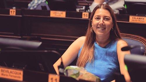 María Fernanda Bevilacqua, Diseñadora de Indumentaria UP y diputada provincial, combinó su pasión por emprender y ayudar a otros