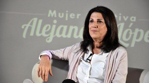 """""""Mi tarea al fotografiar es descontracturar la sensación de incomodidad""""Expresó, Alejandra López, Fotógrafa retratista argentina"""