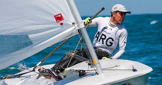 Francisco Guaragna, deportista olímpico de Yatching, estudia Administración online en UP
