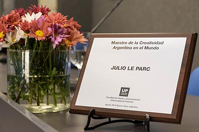 Julio Le Parc distinguido en la UP como Maestro de la Creatividad Argentina en el Mundo
