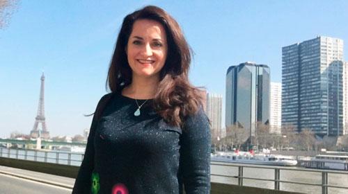 Patricia Badias Chiba egresó de Relaciones Públicas UP y trabaja como project manager en París