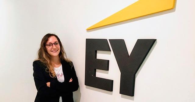 Damaris Cohen, egresada de Relaciones Internacionales UP, trabaja en EY en la prevención de las listas negras de Estados Unidos