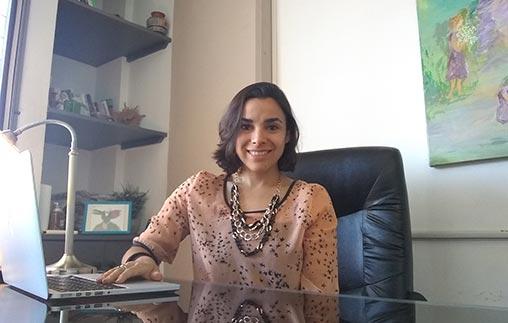 Carolina Vitulli, egresada UP, ejerce como psicóloga integrativa