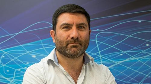 Martín Acosta investigó sobre la aplicación de la IA en la detección de conductas riesgosas en redes sociales