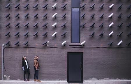 ¿Ciberpatrullaje o inteligencia?