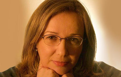 Amelia Troisi, egresada de Abogacía UP, es conductora junto a Nelson Castro en Radio Rivadavia donde trabaja desde hace 30 años