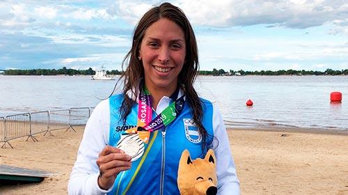 Julia Arino, nadadora de Aguas Abiertas, estudia Contador Público online en UP