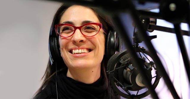 Mariana Merlo, egresó de Periodismo UP y trabaja en radio Metro