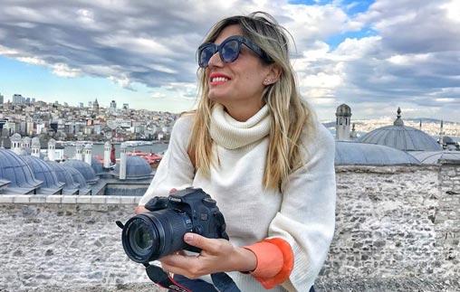 Mercedes Castro, egresada de Periodismo UP, se especializa en viajes y culturas produciendo contenidos de forma independiente