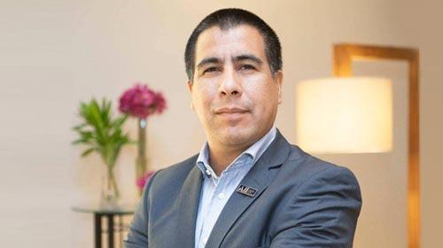 Alejandro Spinelli, Licenciado en Informática UP y gerente del Hotel Mercure Santa Marta, en Colombia
