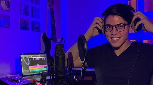 Jorge Quintero Contreras, egresado de Producción Musical UP y emprendedor