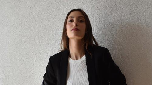 Constance Murphy, egresada de Producción de Moda UP, es asesora de imagen y <em>stylist</em> en Milán
