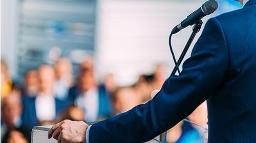 Charla: Hacia dónde va la comunicación política en el siglo XXI