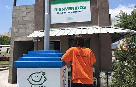 ¡GRAN DONACIÓN DE PAPEL Y TAPITAS!
