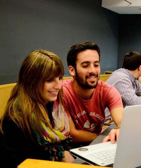 Lic. en Management con orientación en Economía y finanzas en sesion de estudios